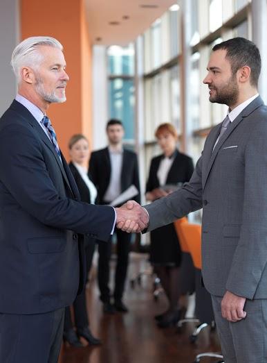 Правно абонаментно обслужване на търговски дружества, фирми и физически лица
