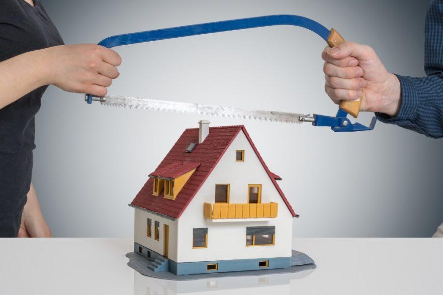 Предоставяне на семейното жилище, адвокат семейни дела, бракоразводен адвокат, съдебно споразумение съпрузи, предоставяне семейно жилище чл.56 Семеен кодекс