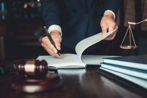 Адвокатски такси и хонорари